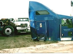 Kenworth T600 - Salvage 2246-KW