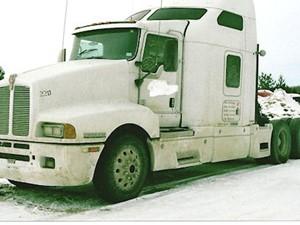 Kenworth T600B - Salvage 2221-KW