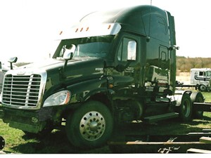 Freightliner Cascadia - Salvage 2055-FRTLR