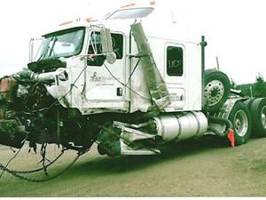 Kenworth T800 - Salvage 2451-KW
