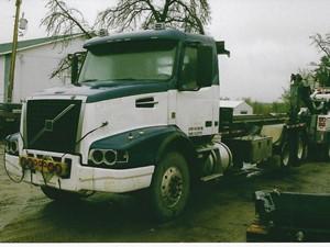 Volvo VHD - Salvage 3267-VOLVO