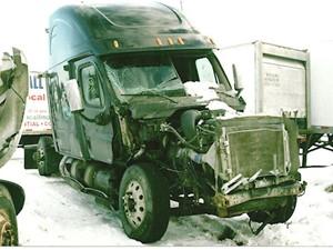 Freightliner Cascadia - Salvage 2238-FRTLR