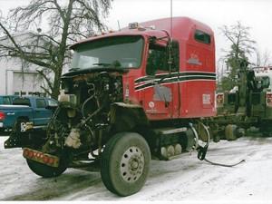 Mack CXU - Salvage 3205-MACK