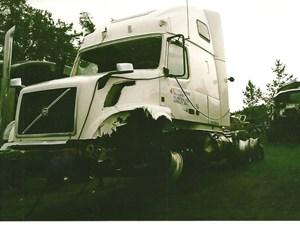 Volvo VNL - Salvage 2848-VOLVO