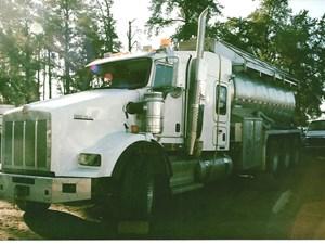 Kenworth T800 - Salvage 2887-KW