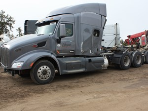 Peterbilt 579 - Salvage 3364-PETE