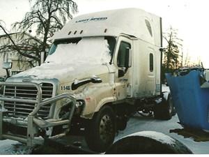 Freightliner Cascadia - Salvage 2948-FRTLR