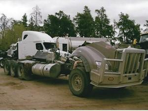 Kenworth T880 - Salvage 3266-KW