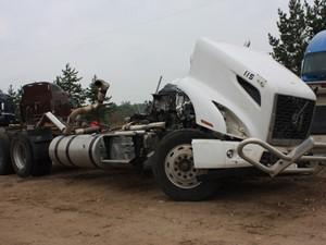 Volvo VNR64T - Salvage 3411-VOLVO