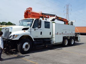 International 7400 - Salvage SV-1