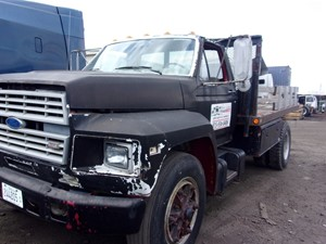 Ford F700 - Salvage 180105