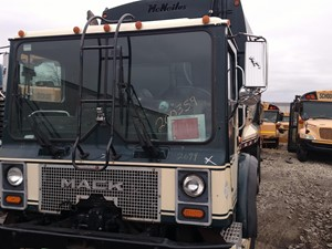 Mack MR688S - Salvage 200359