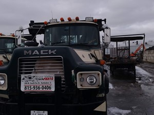 Mack DM690S - Salvage 200367