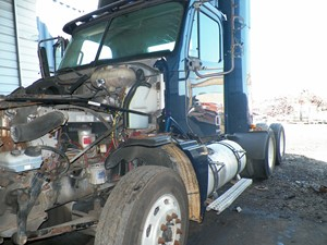 Freightliner COLUMBIA 120 - Salvage 180074