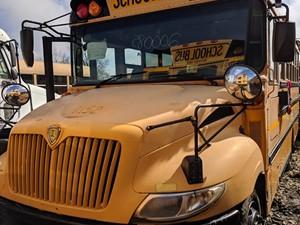International CE Bus - Salvage 200085