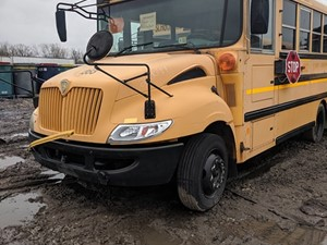 International CE Bus - Salvage 200094