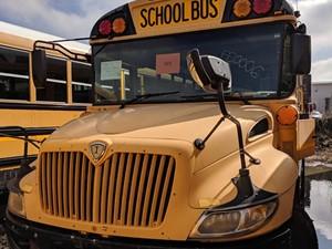 International CE Bus - Salvage 200077