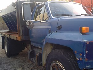 Ford F800 - Salvage FD-0391
