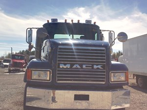 Mack CL700 SERIES - Salvage MK-0432