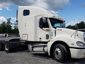 Freightliner COLUMBIA 120 - Salvage FR-0539