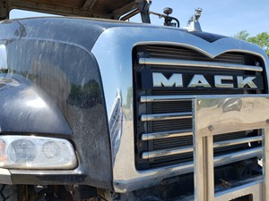 Mack CT713 - Salvage MK-0584