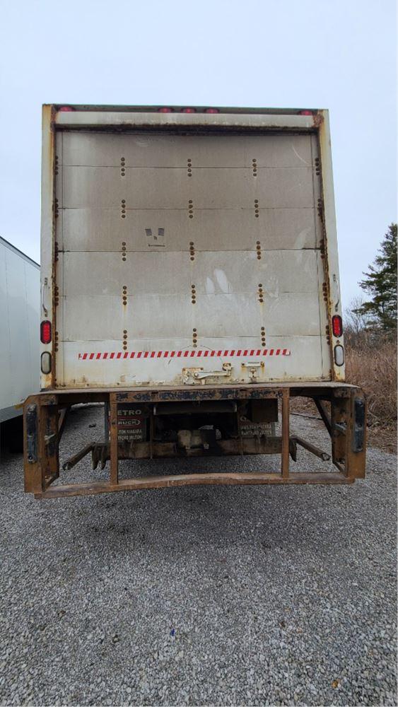 Media 7 for 2007 Freightliner M2 106