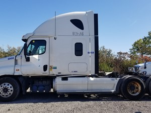 Freightliner Cascadia 125 - Salvage FR-0553