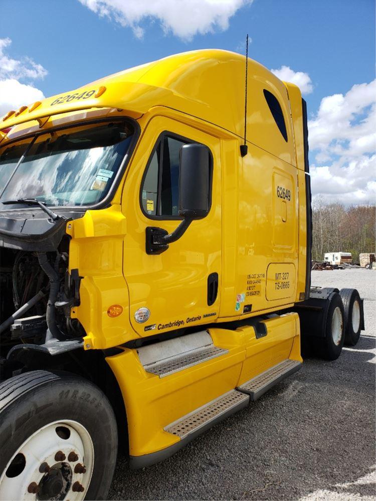Media 2 for 2011 Freightliner Cascadia 125