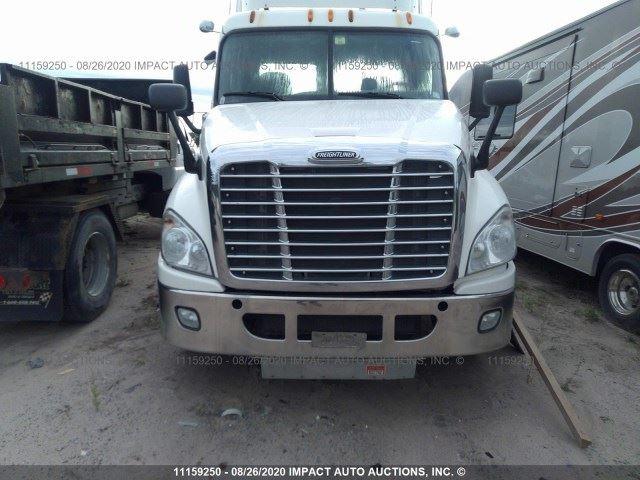 Media 3 for 2012 Freightliner Cascadia 125