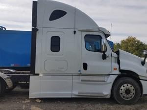 Freightliner Cascadia 125 - Salvage FR-0549