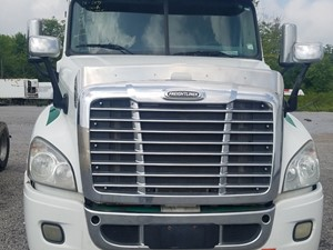 Freightliner Cascadia 125 - Salvage FR-0498