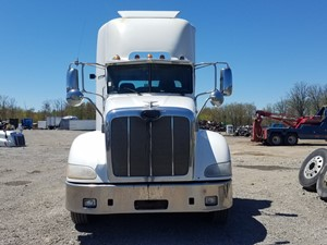 Peterbilt 384 - Salvage PT-0586