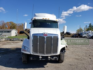 Peterbilt 579 - Salvage PT-0610