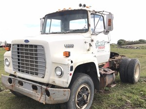 ford l8000 - salvage sv-95  truck make