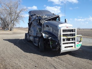 Kenworth T660 - Salvage PTP-94