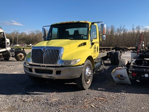 International 4300 - Salvage 9