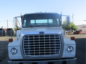 Ford 8000 - Salvage 744