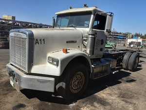 Freightliner FLD120SD - Salvage 860