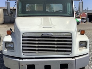 Freightliner FL60 - Salvage 511