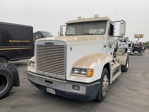 Freightliner FLD120 - Salvage 668