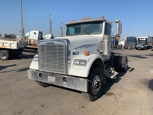 Freightliner Classic 120 - Salvage 693