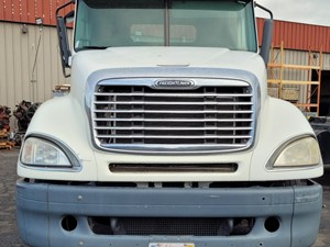 Freightliner COLUMBIA 120 - Salvage 709