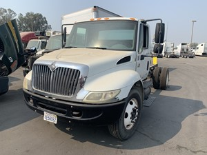 International 4200 - Salvage 660