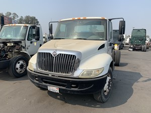 International 4200 - Salvage 659