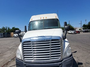Freightliner Cascadia 132 - Complete 758