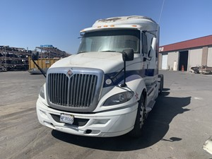 International PROSTAR - Salvage 633