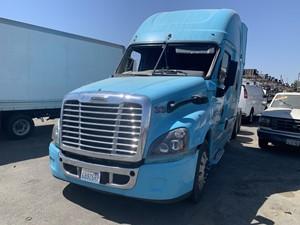 Freightliner Cascadia 125 - Salvage 642