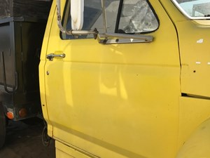 Ford F700 - Salvage SV-17-56