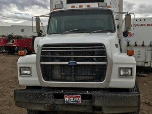 Ford LN8000 - Salvage 17-57