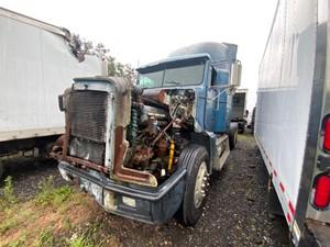 Freightliner FLD120 - Salvage H84746